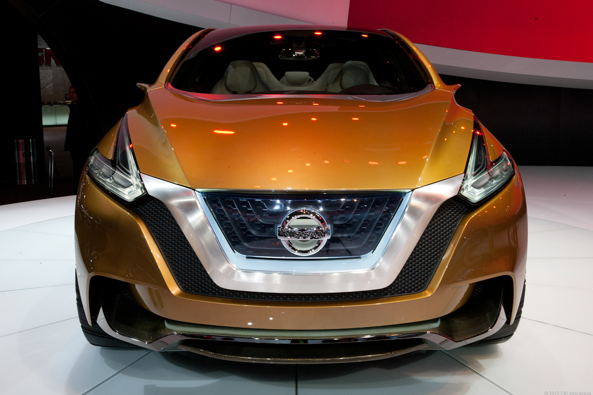 Nissan Resonance concept debuts V-Motion design