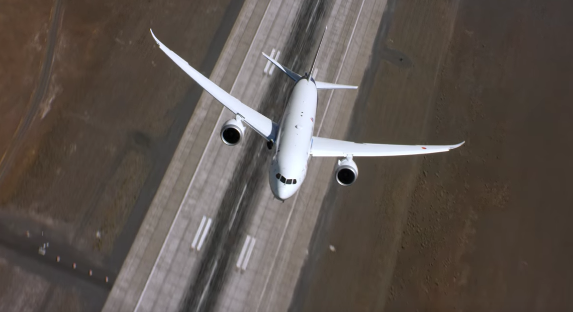 ana-787-vertical-takeoff.png