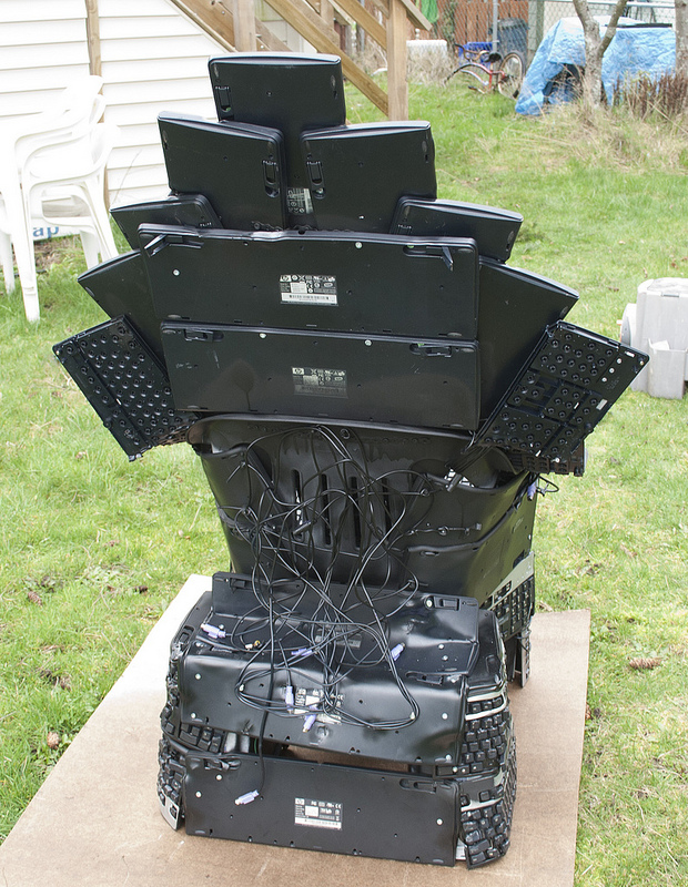 Throne of Nerds back side