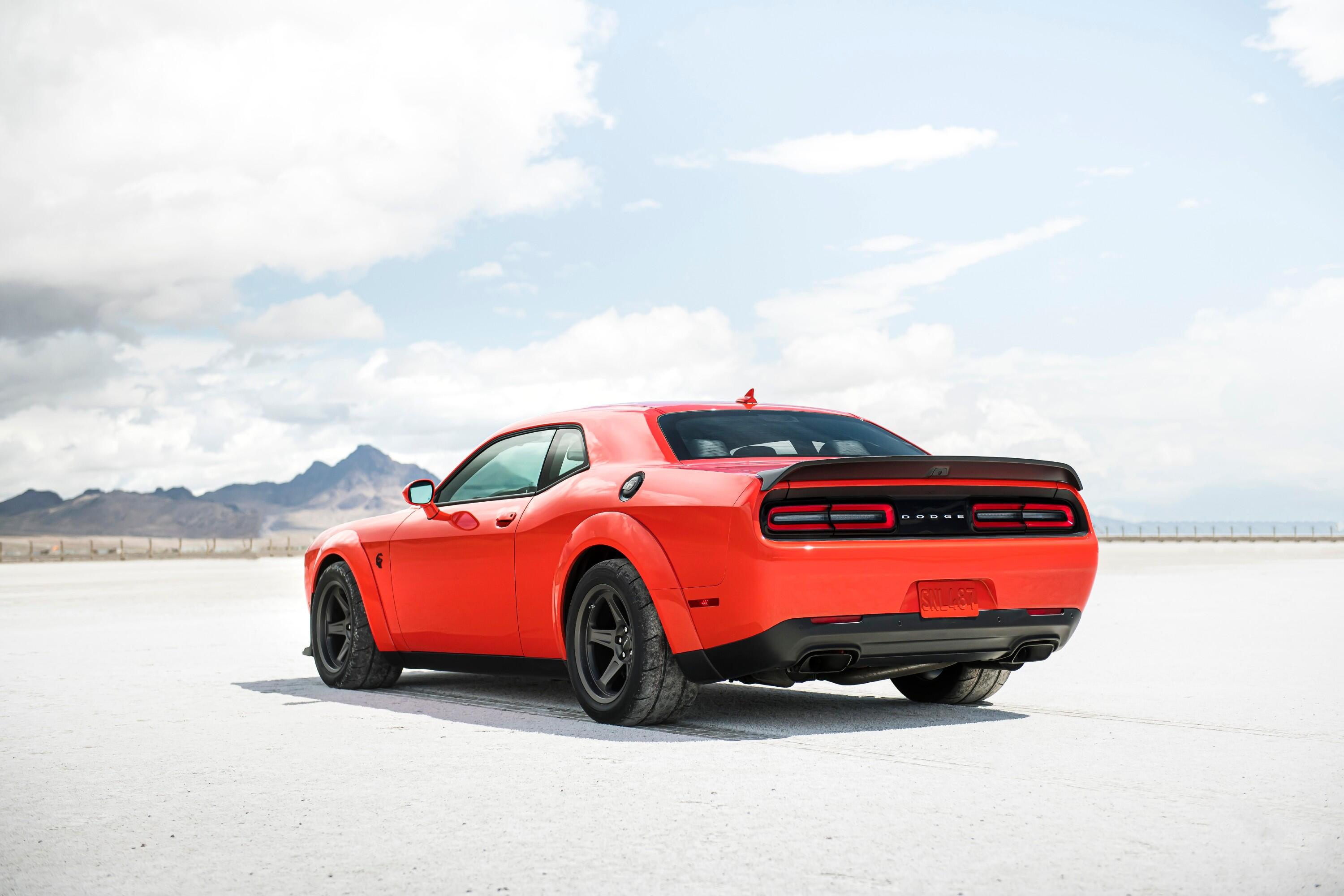 2021-dodge-challenger-srt-superstock-006