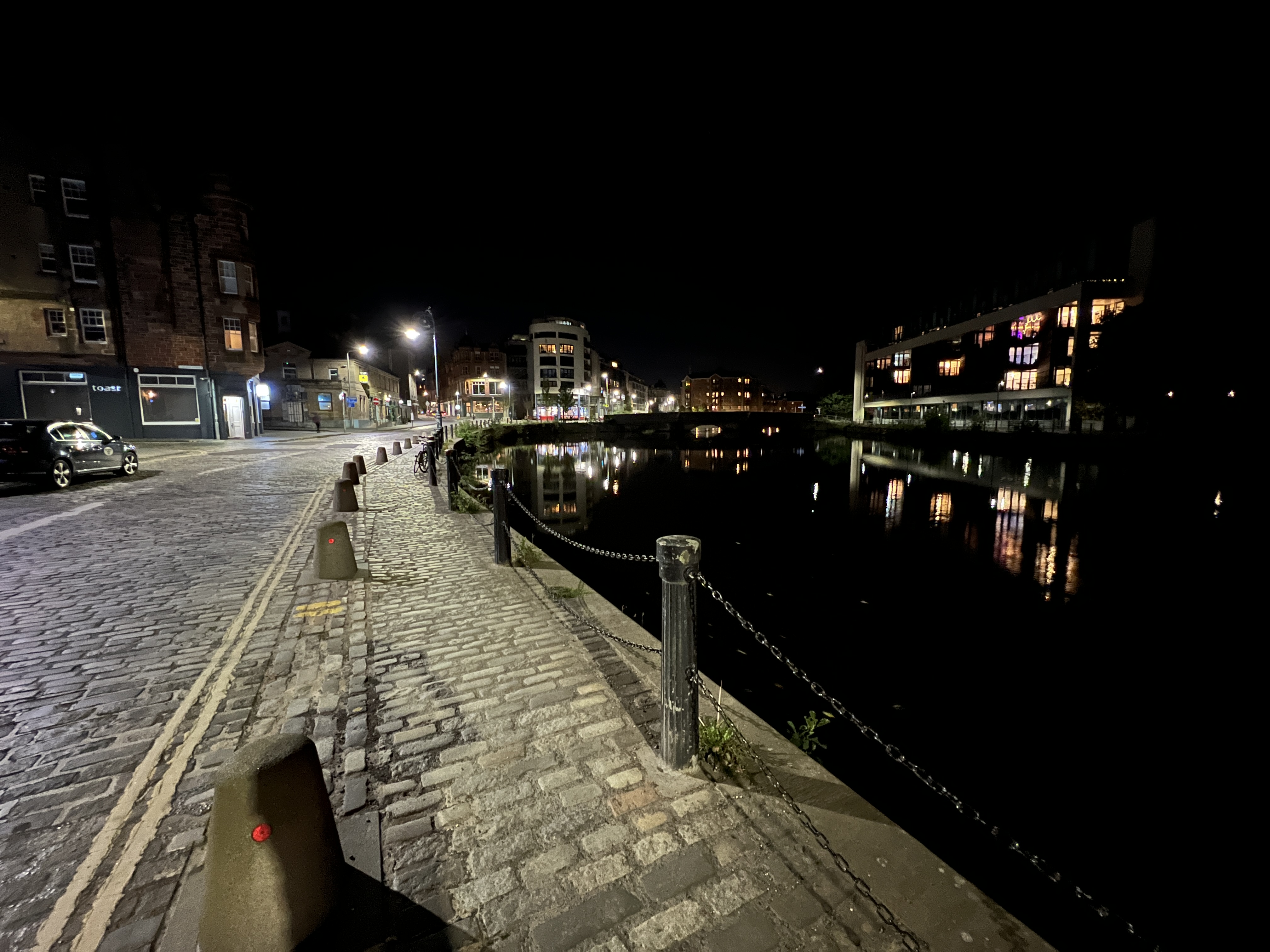 leith-wide-night-mode-iphone-13-pro