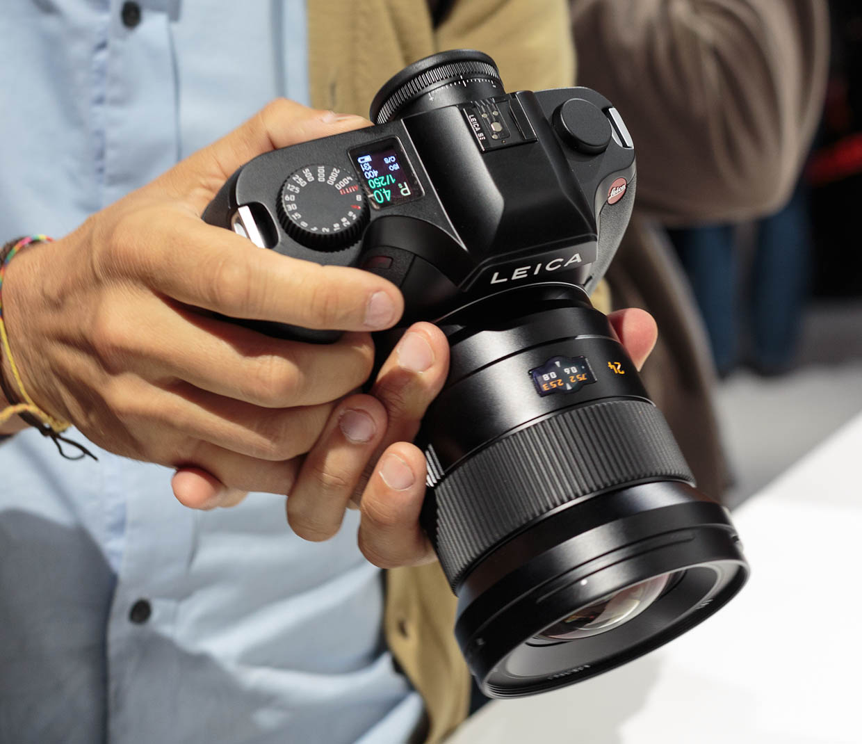 The Leica S is the next flagship model of the German camera maker's attempt to crack the high-end medium-format camera market.