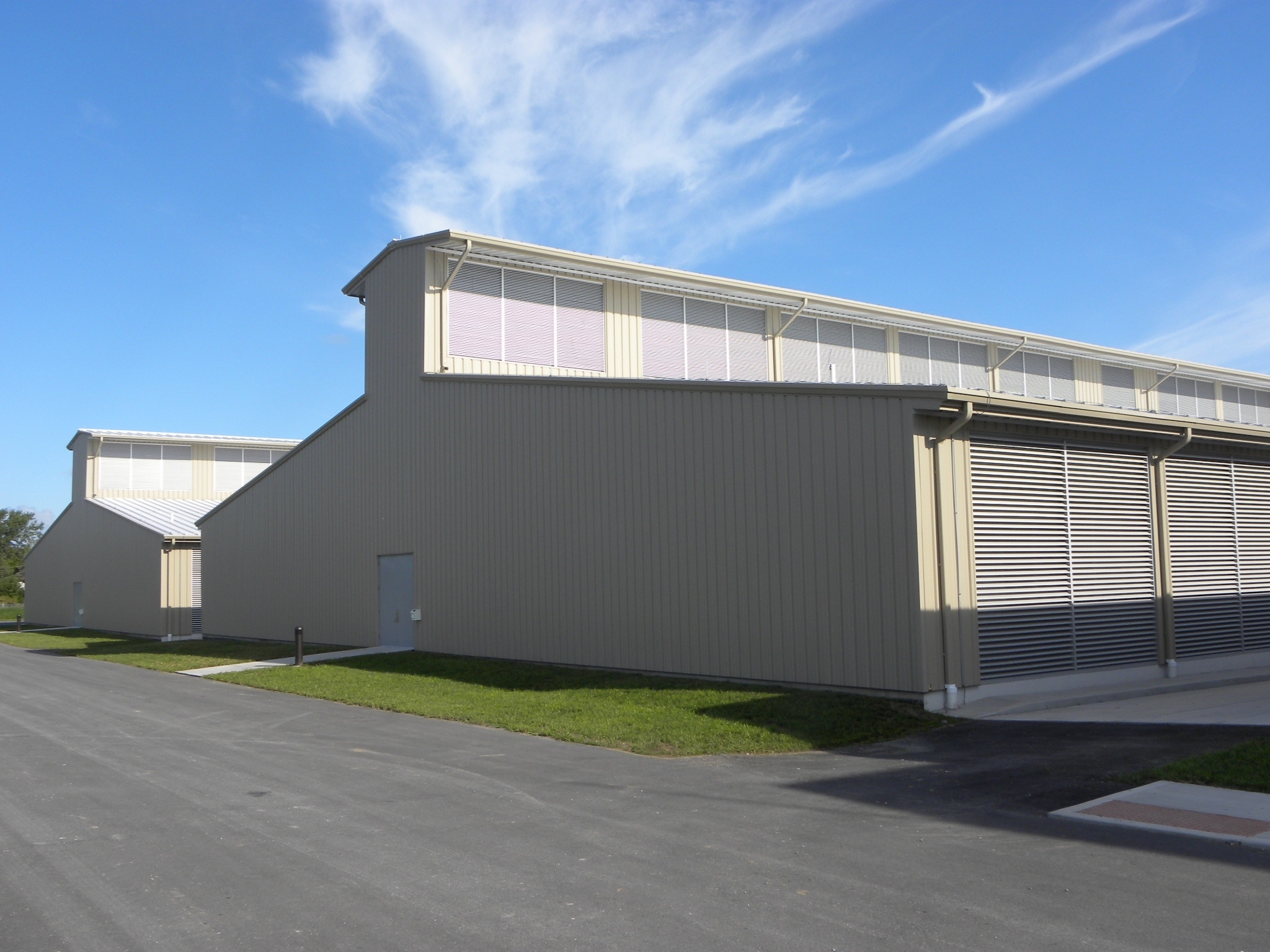 Yahoo's Chicken Coop data center design takes advantage of the prevailing winds and outdoor air for almost all its cooling.