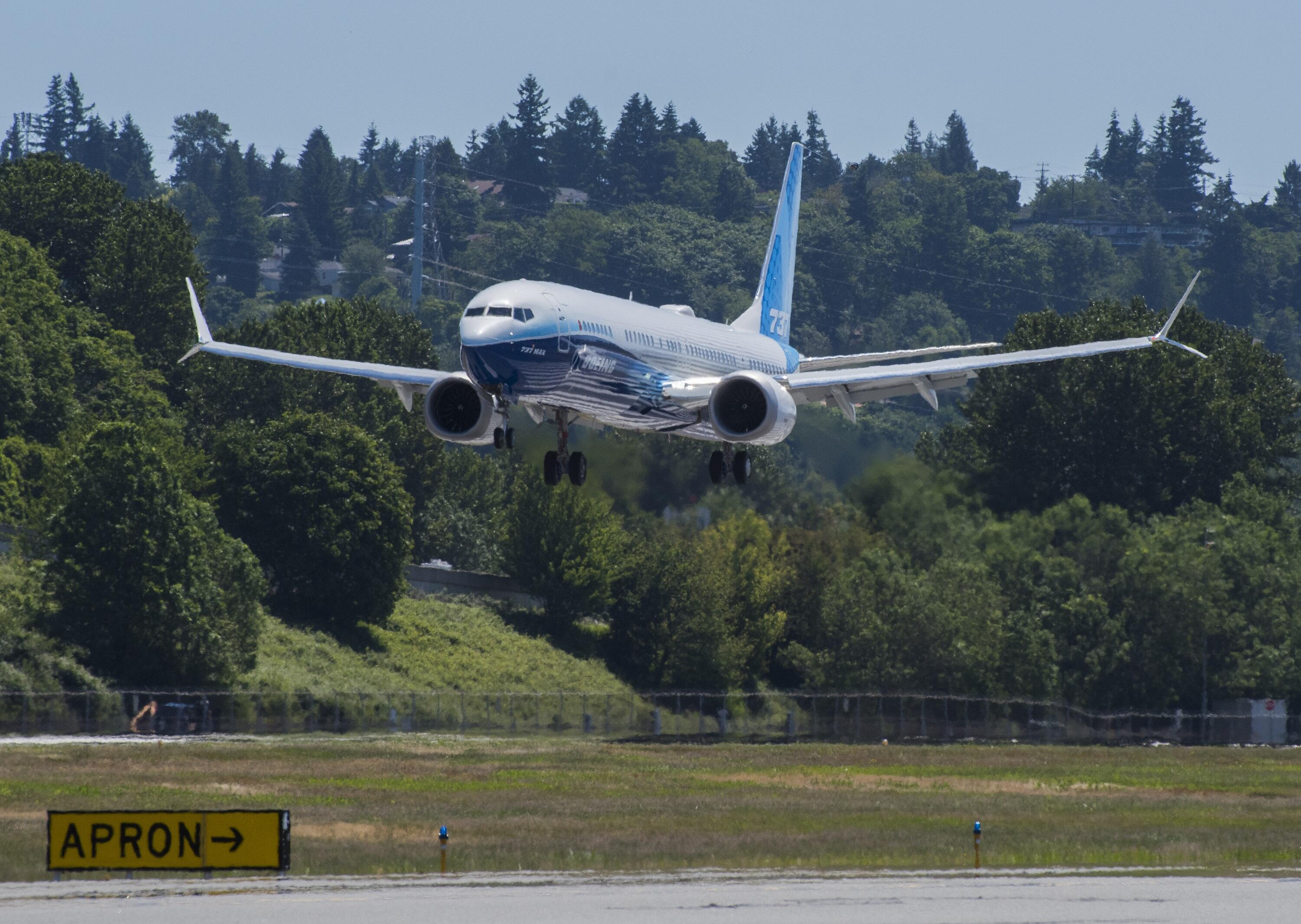 <p>The Max 10 just before landing at Boeing Field.</p>