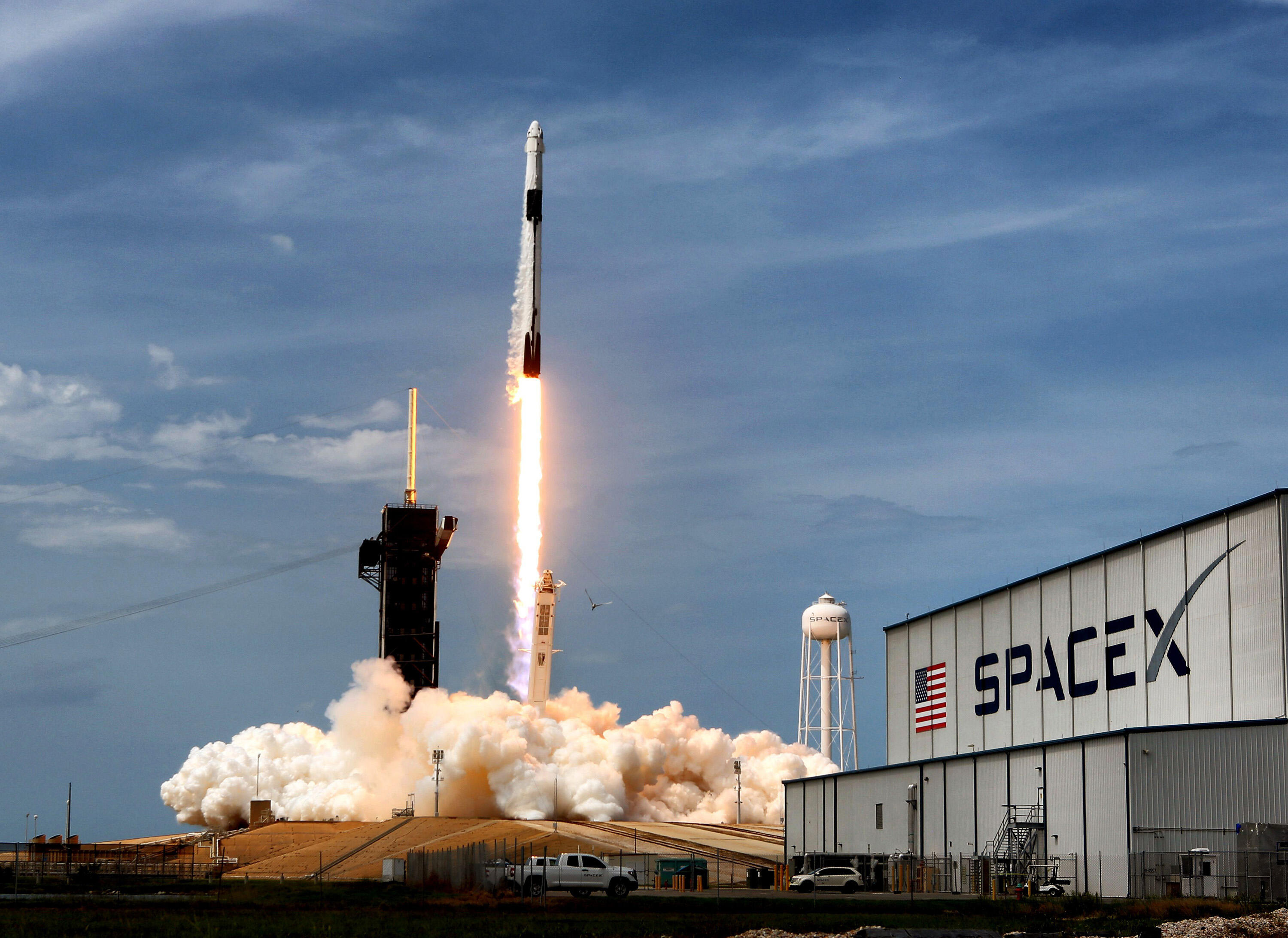 <p>The SpaceX Falcon 9 lifting off from Kennedy Space Center in May of 2020.</p>