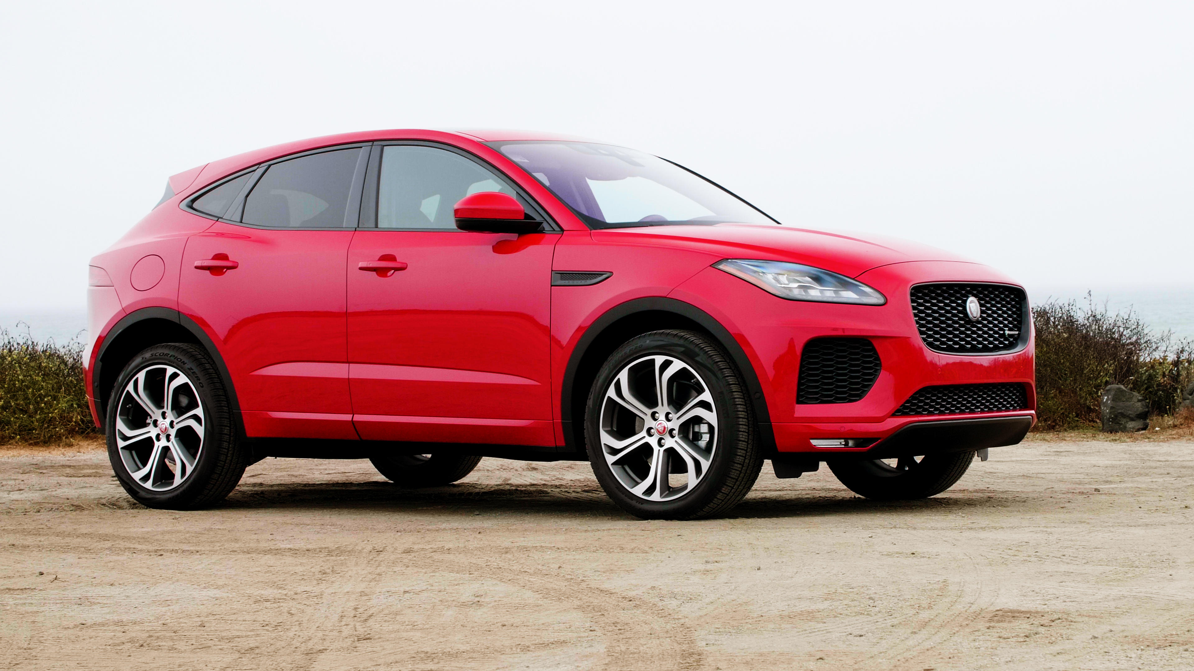 Video: 2018 Jaguar E-Pace: The fast and the frustrating