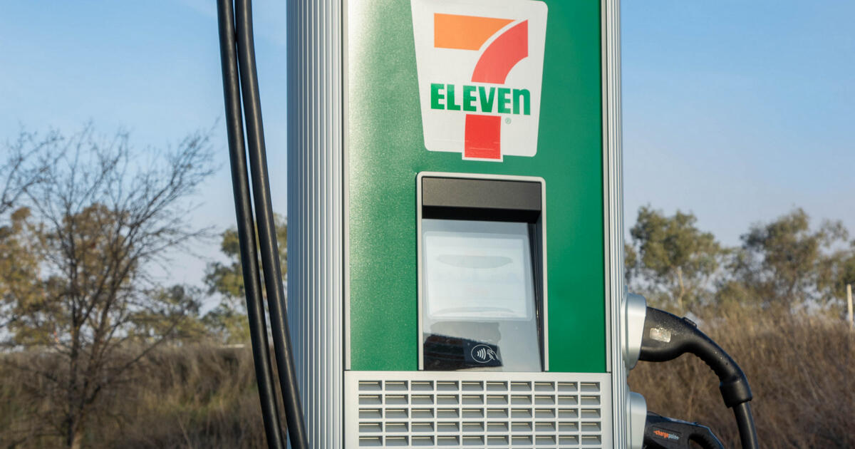 7-11 will open 500 electric vehicle charging stations by the end of 2022