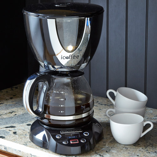 Keep an eye on the Remington iCoffee brewing process through the viewing window.