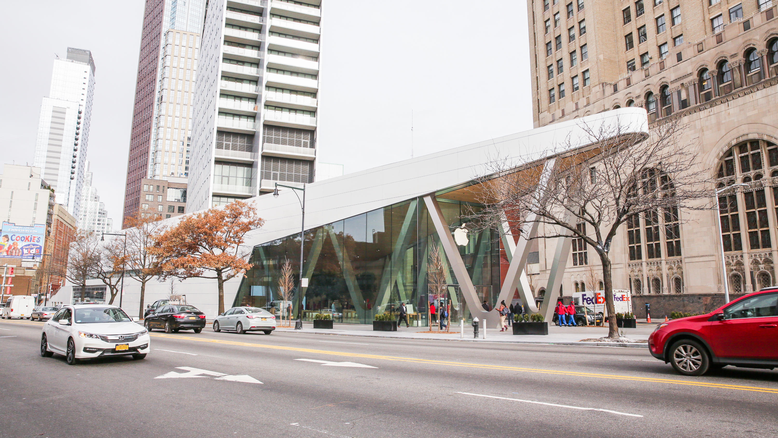 Apple Store Opening in Downtown Brooklyn