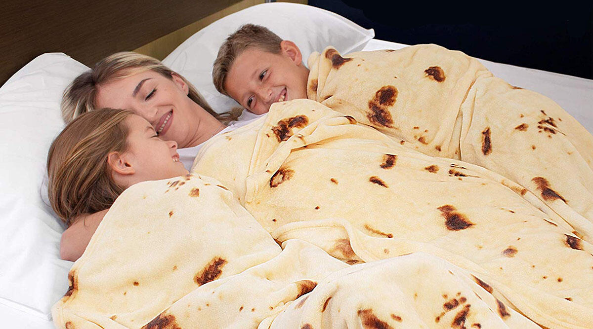 This blanket that turns you into a giant burrito 🌯