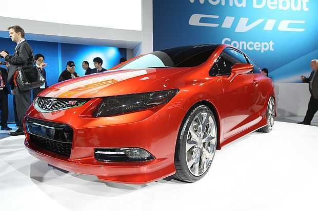 Honda unveiled coupe and sedan versions of its upcoming 2012 Civic at the 2011 Detroit Auto Show.