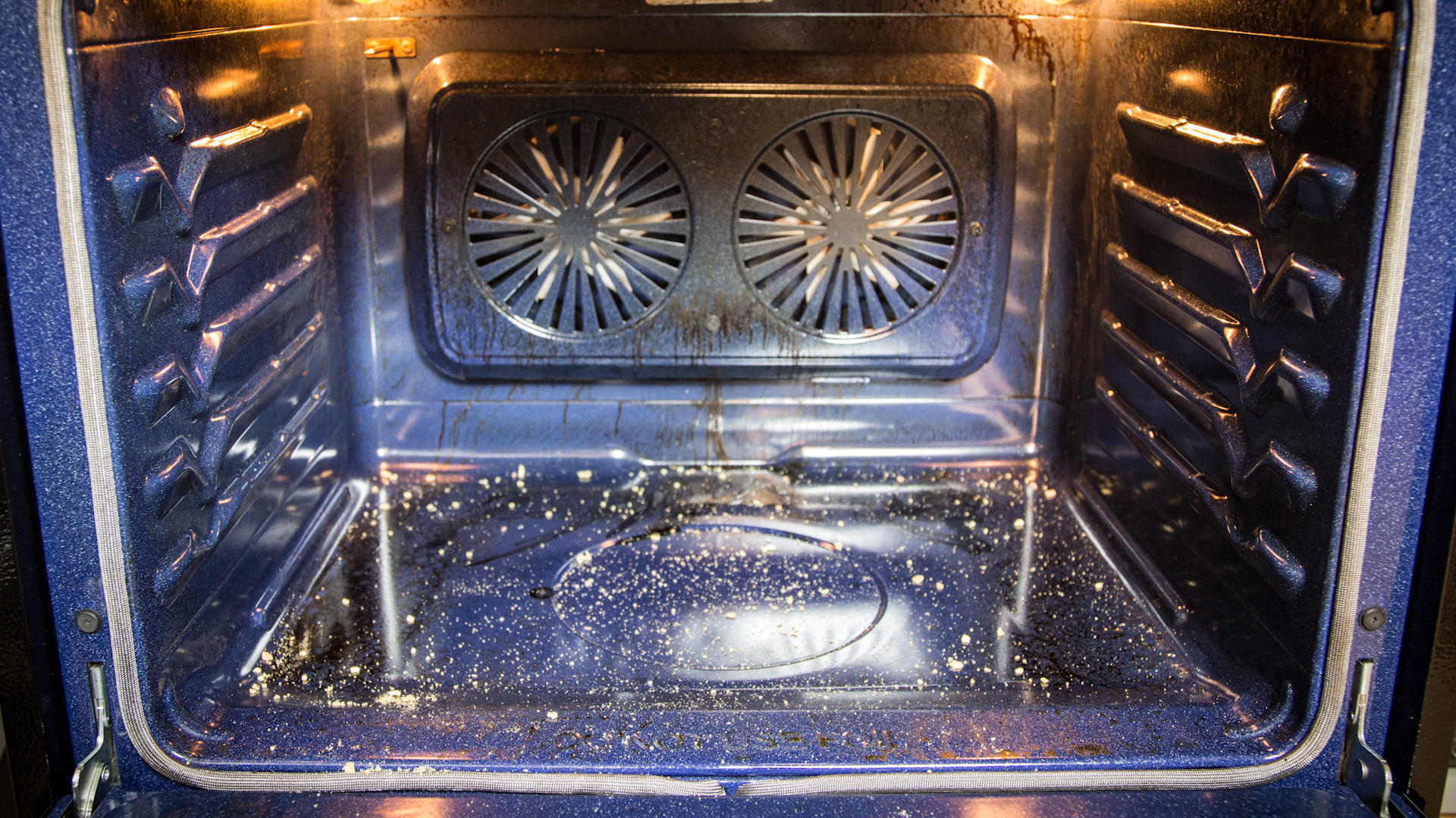 Video: How to clean your oven with baking soda and vinegar