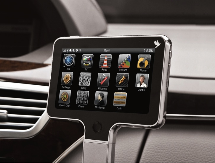 Comodo Console can be installed in any vehicle and includes all the latest car tech features, such as streaming music, backup camera, hands-free calling, and Internet connectivity.