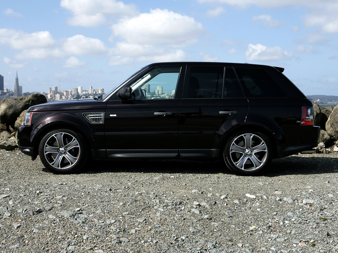 2010 land rover range rover sport supercharged review. Black Bedroom Furniture Sets. Home Design Ideas