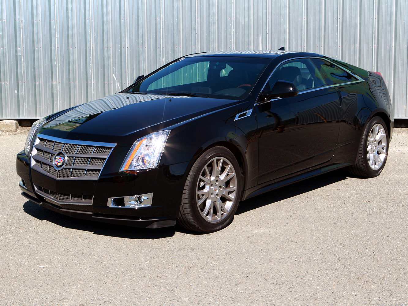 2010 Cadillac CTS Coupe photo - 2