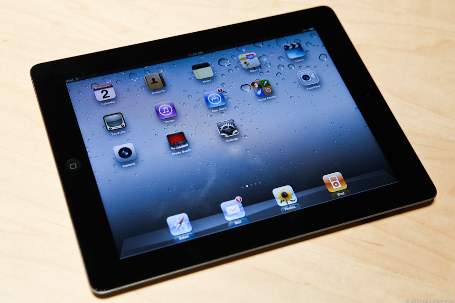 "<p>Apple's CEO Steve Jobs took to the stage in San Francisco to <a href=""http://news.cnet.com/8301-30686_3-20038297-266.html"">unveil the highly anticipated iPad 2</a>. This next-generation Apple tablet is 33 percent thinner and 15 percent lighter than the previous model, but has the same price tag and is packed with new features.</p>"