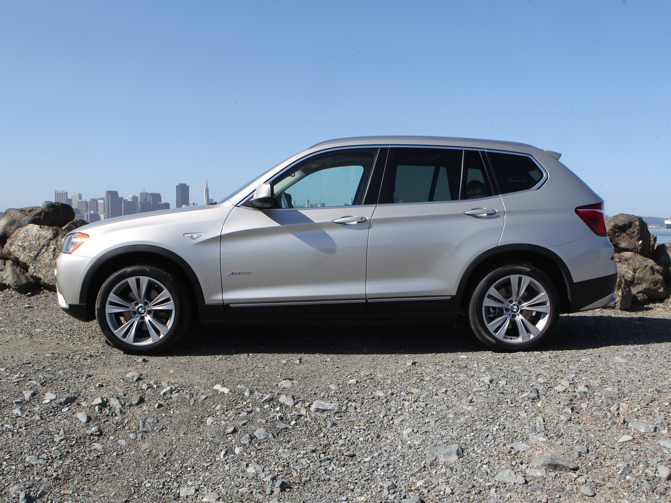 2011 bmw x3 xdrive35i review page 2 roadshow. Black Bedroom Furniture Sets. Home Design Ideas