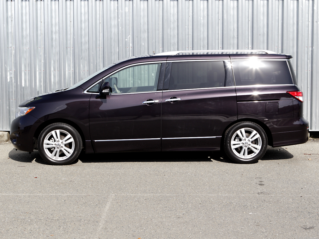 2011 nissan quest sl review cnet. Black Bedroom Furniture Sets. Home Design Ideas