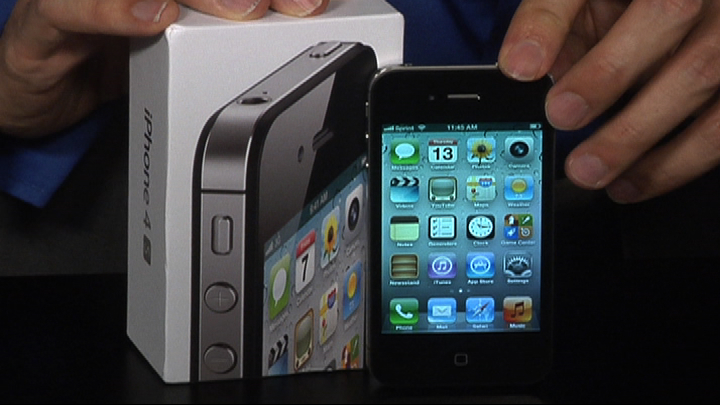 Video: Hello iPhone 4S, so long Steve Jobs