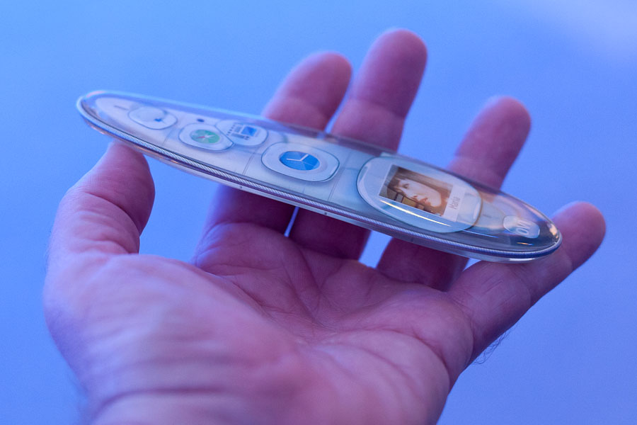 Design researchers showed this flexible Nokia kinetic device at the Nokia World show in London. It's a nonworking example that lets people control the device with a single hand.