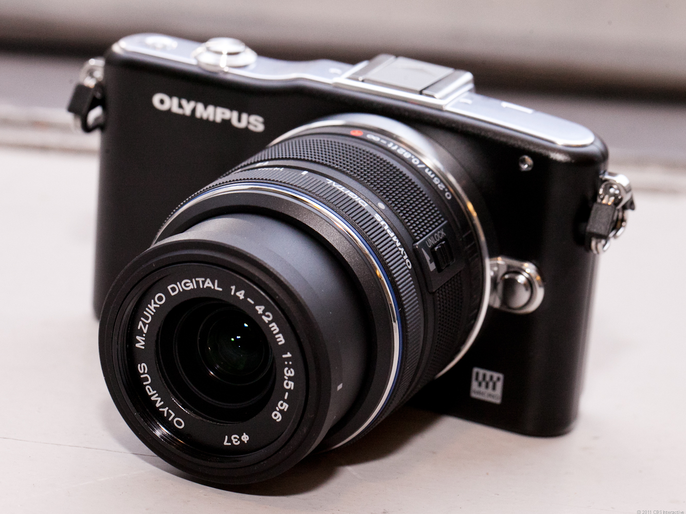Olympus PEN E-PM1 (black, with 14-42mm lens)