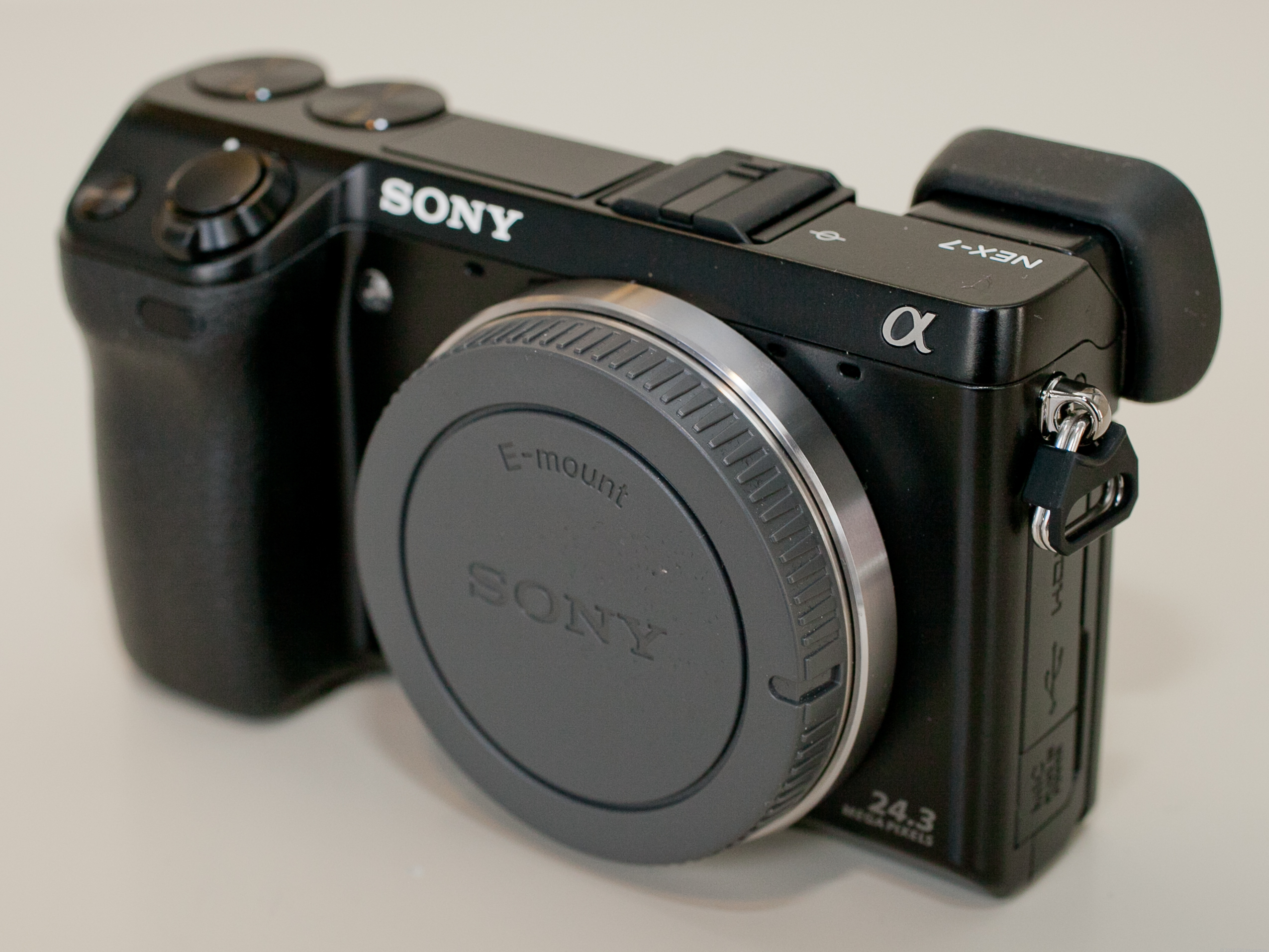 Sony Alpha NEX-7 (with 18-55mm lens)