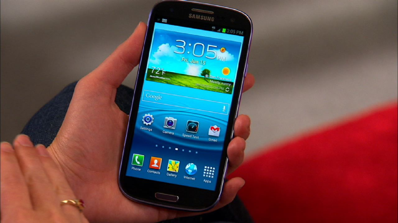 Video: Samsung's Galaxy S III has all the right moves