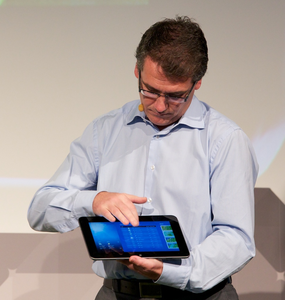 Aongus Hegarty, president of Dell Europe, shows off the XPS 10 at a press conference at the IFA show in Berlin.