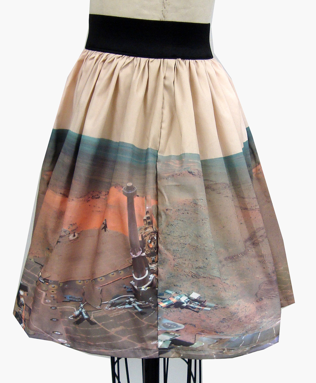 Mars rover panoramic skirt back