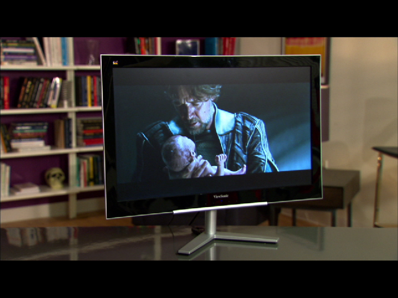 Video: Despite a wobbly stand, the Viewsonic VX2460H-LED succeeds thanks to its low price