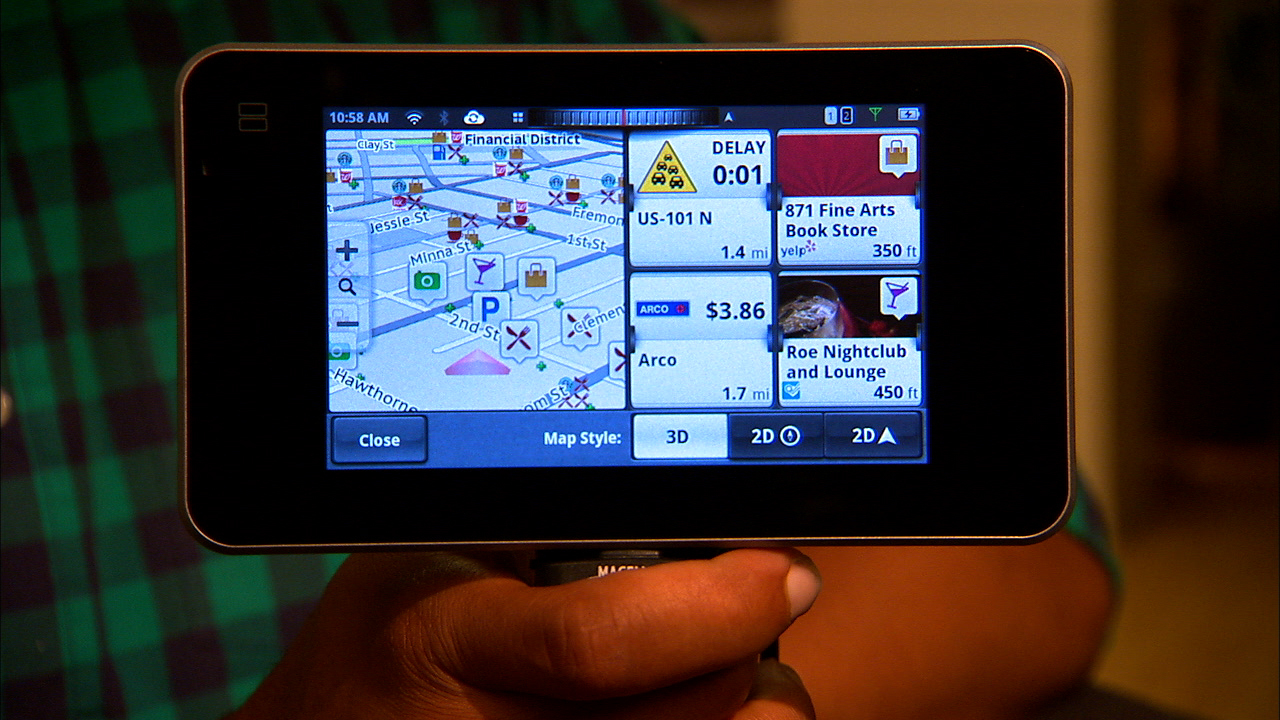 Video: Magellan's SmartGPS plays nicely with your phone
