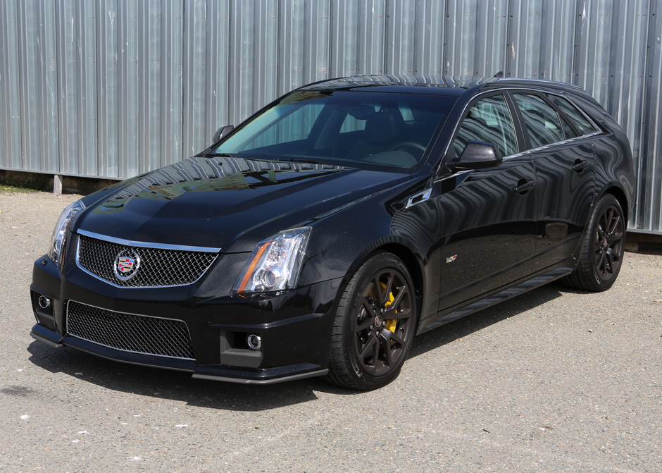 2013 cadillac cts v wagon review roadshow. Black Bedroom Furniture Sets. Home Design Ideas