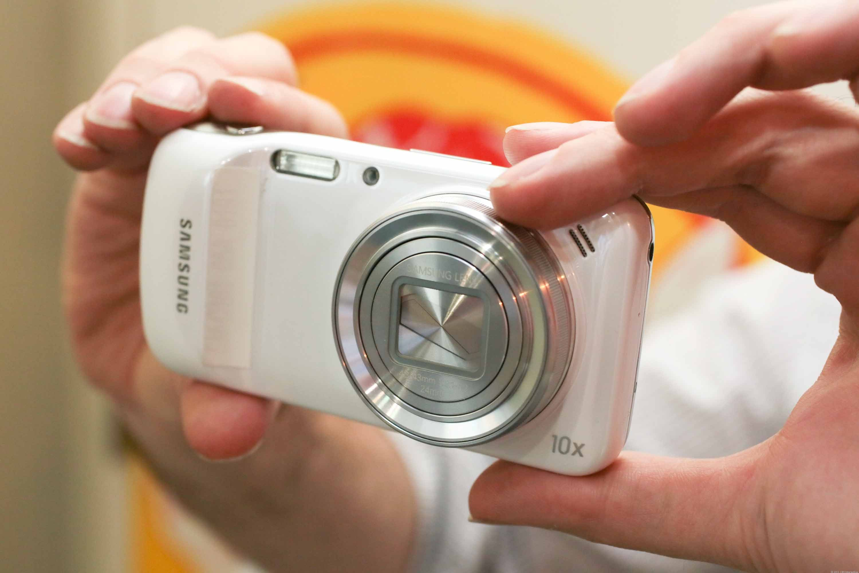 The Galaxy S4 Zoom runs Android 4.2 and has a 4.3-inch touch screen.