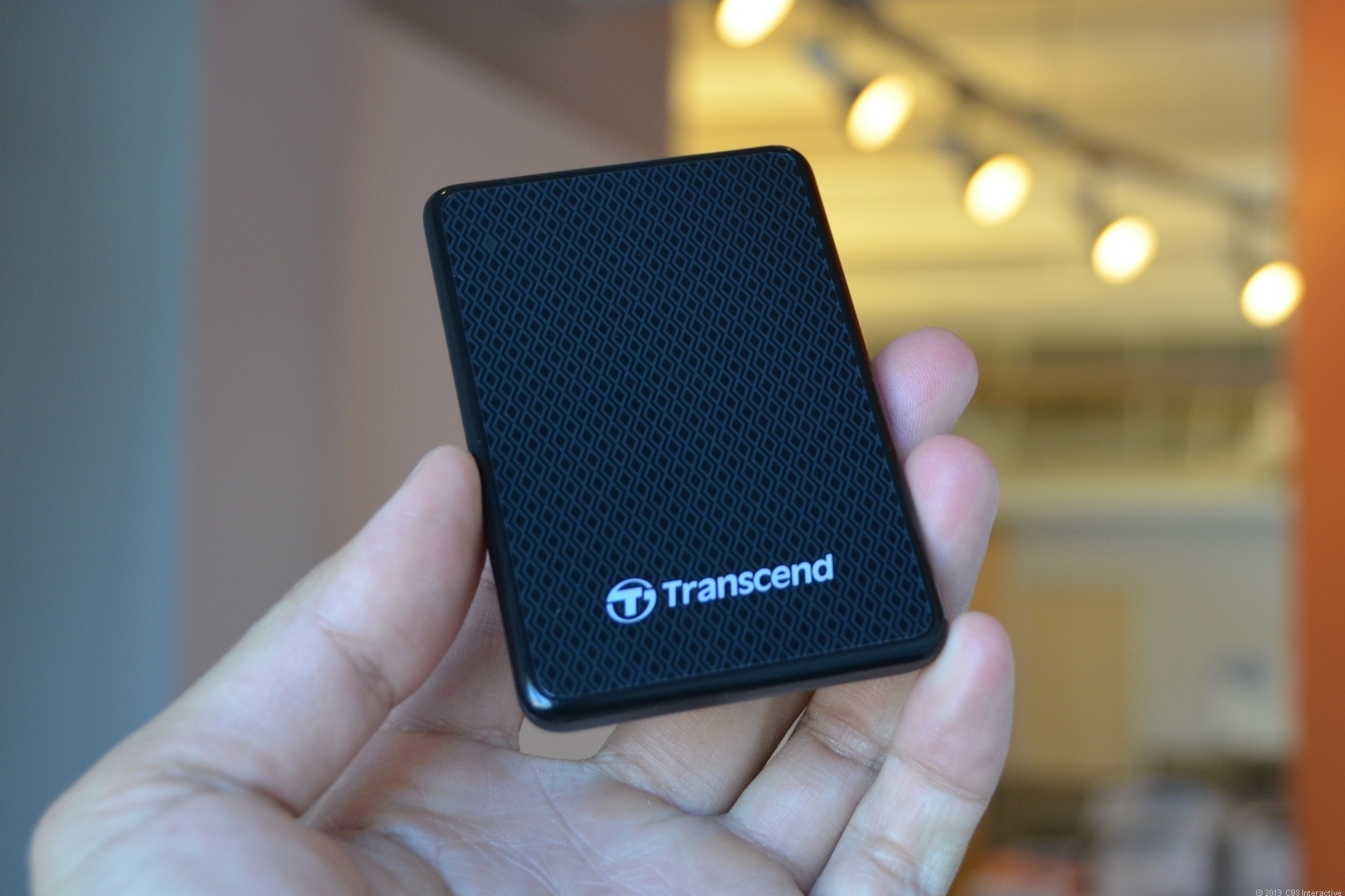 Transcend ESD200 boasts of high performance and tiny outer shape
