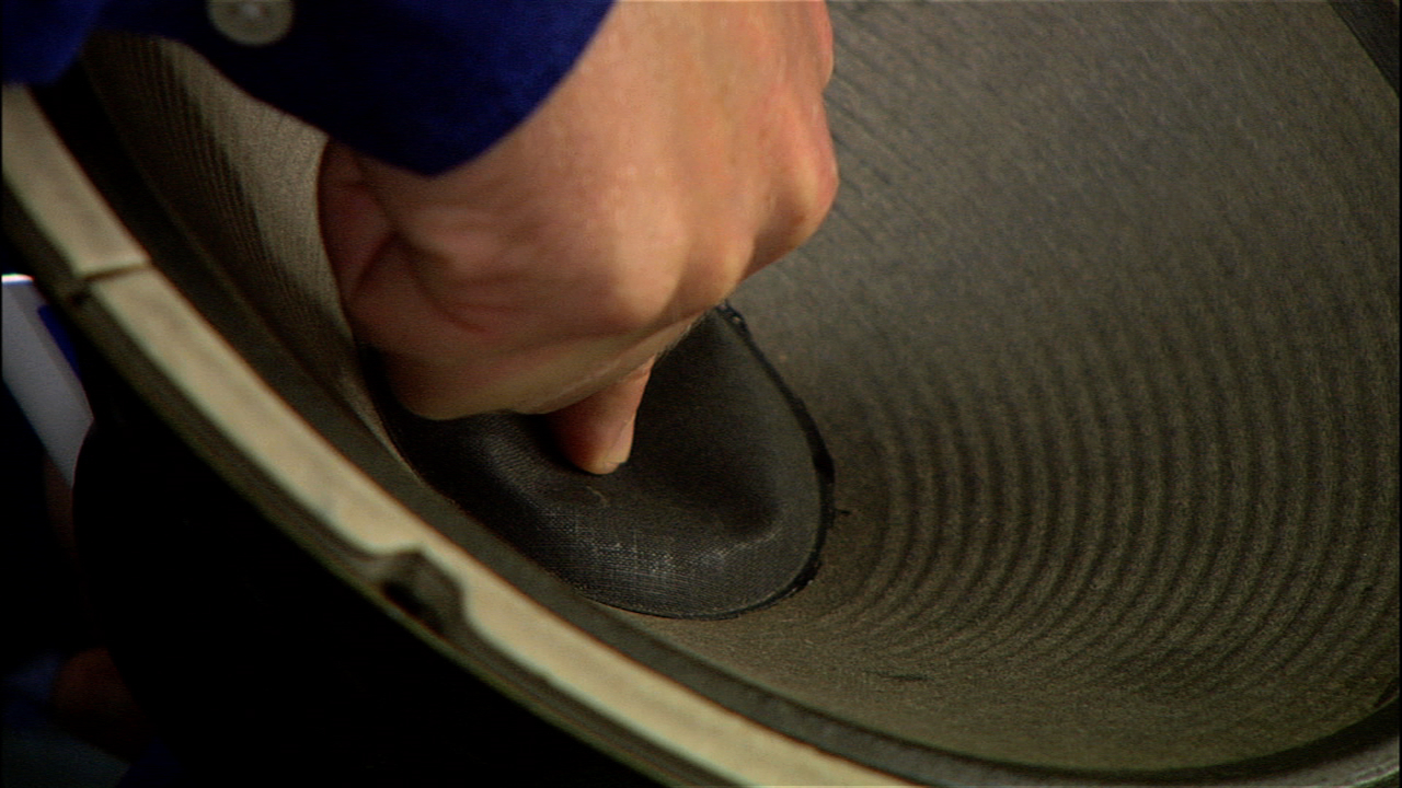 Video: Fix a dented speaker cone