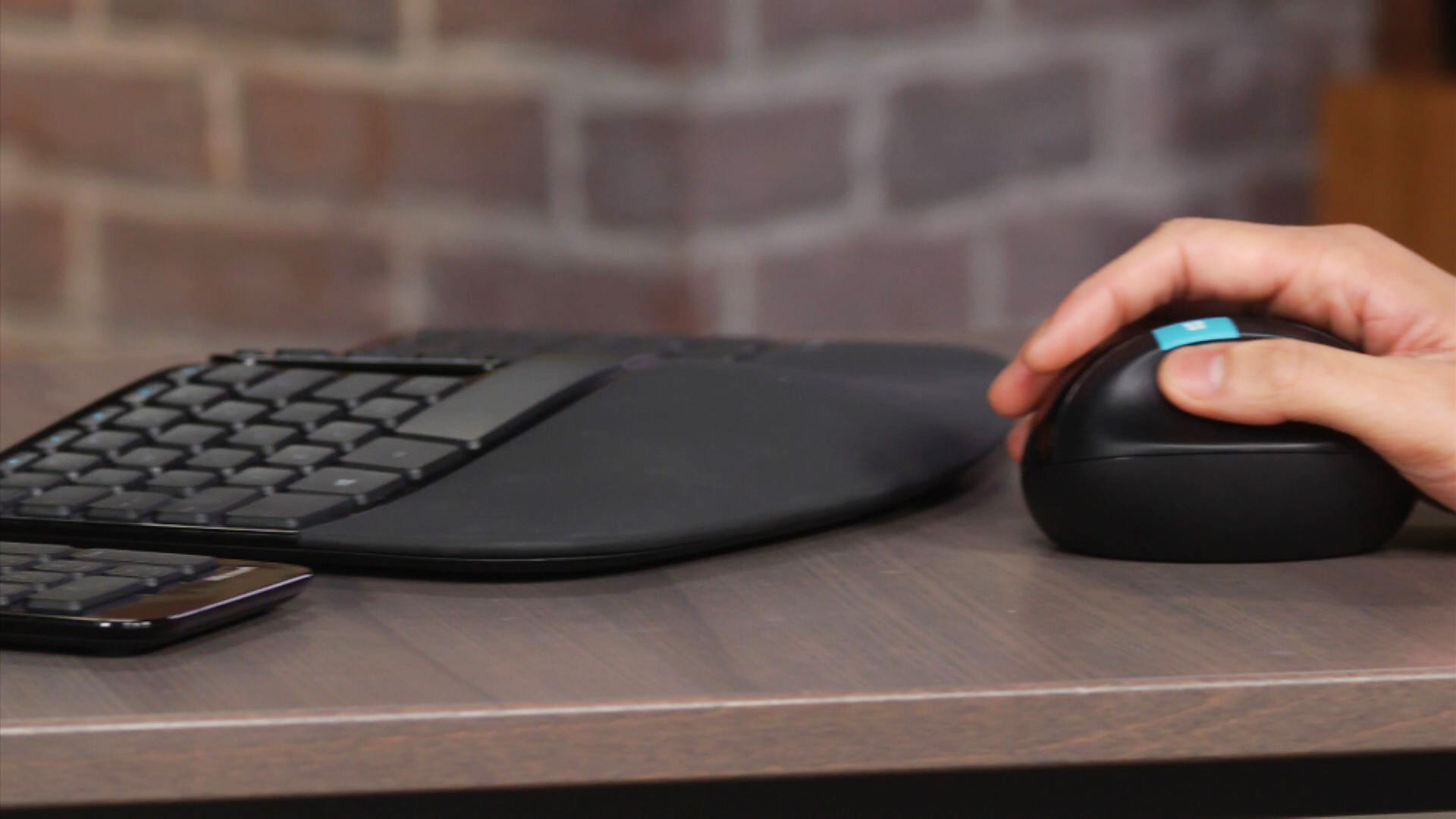 Video: Microsoft Sculpt Ergonomic Desktop