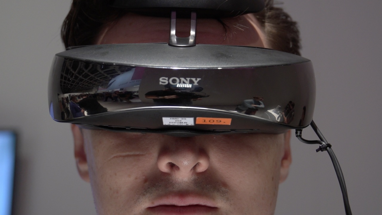 Video: Sony's new HMZ-T3W headset is 720p Robocop-chic