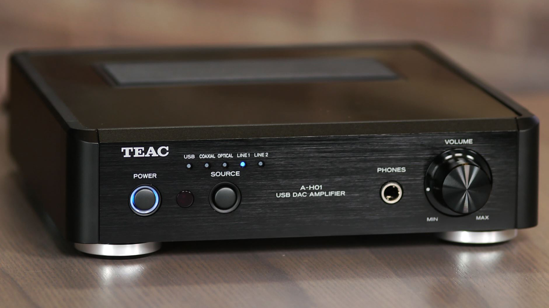 Video: A compact amp with a full-range sound