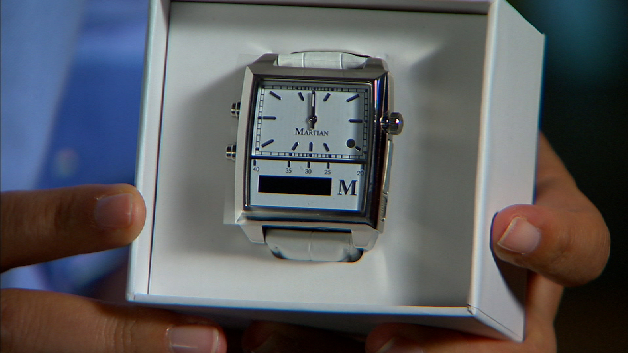 Video: Unboxing the Martian Passport Watch