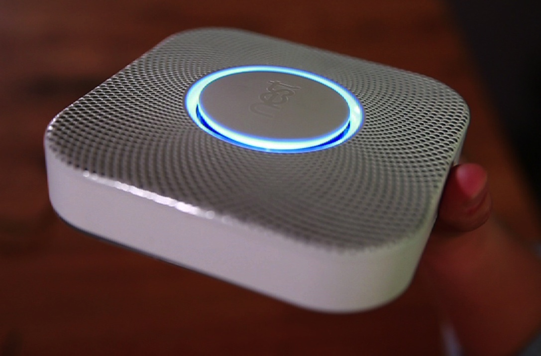 Video: Nest Protect smoke detector talks to you (hands-on video)