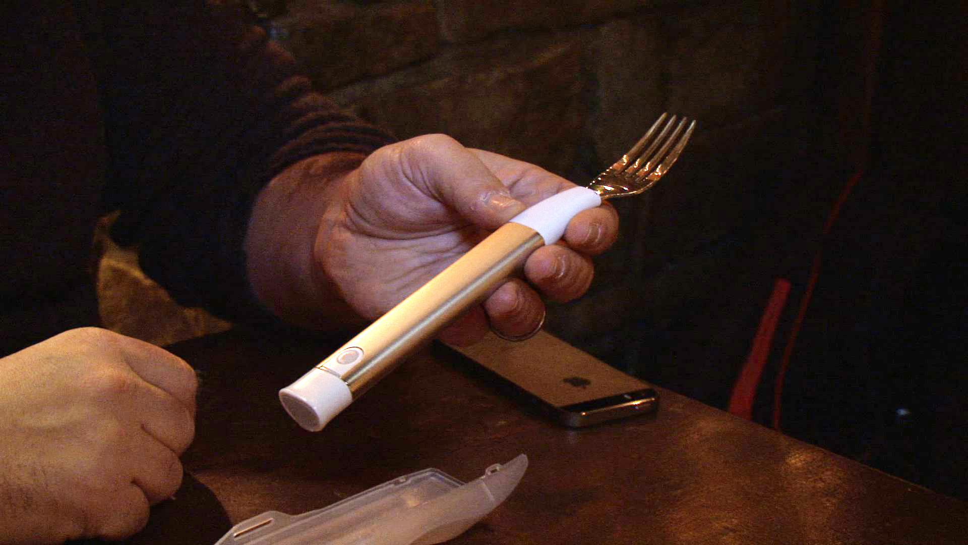 Video: Hapifork, the Bluetooth vibrating health fork: hands-on with the oddest fitness gadget