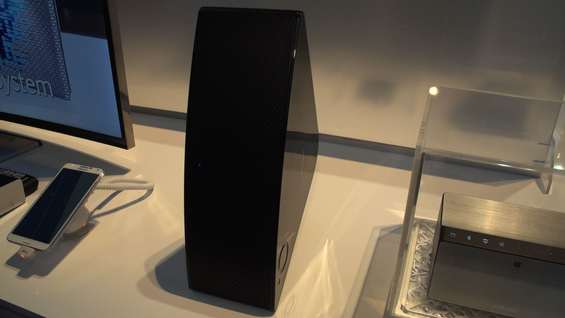 Video: Samsung M5 speaker takes on Sonos