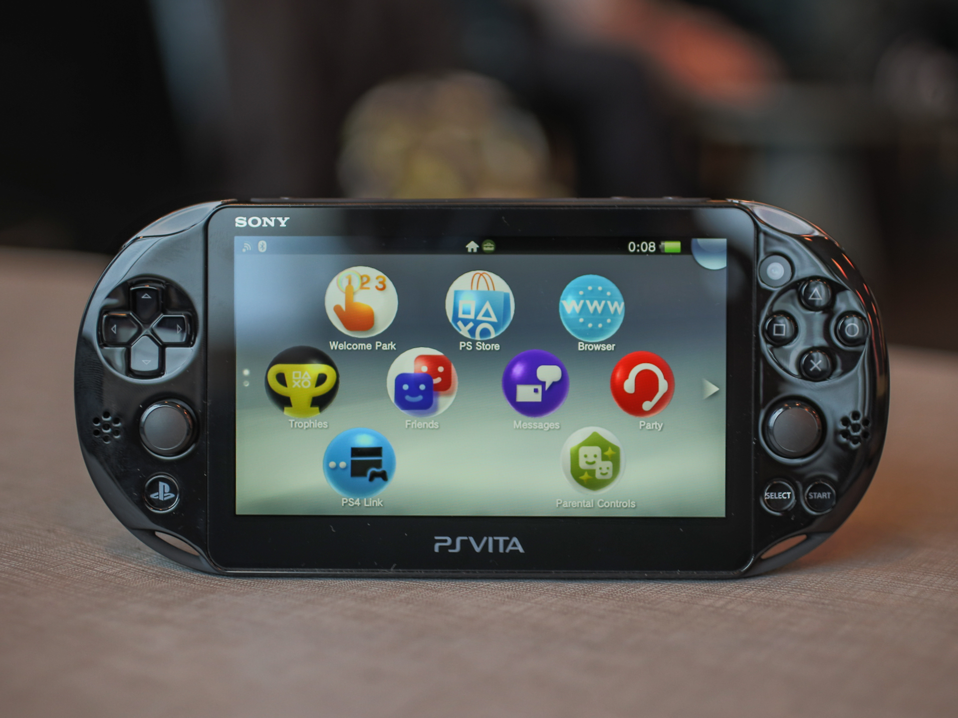 sony-ps-vita-slim-14.jpg