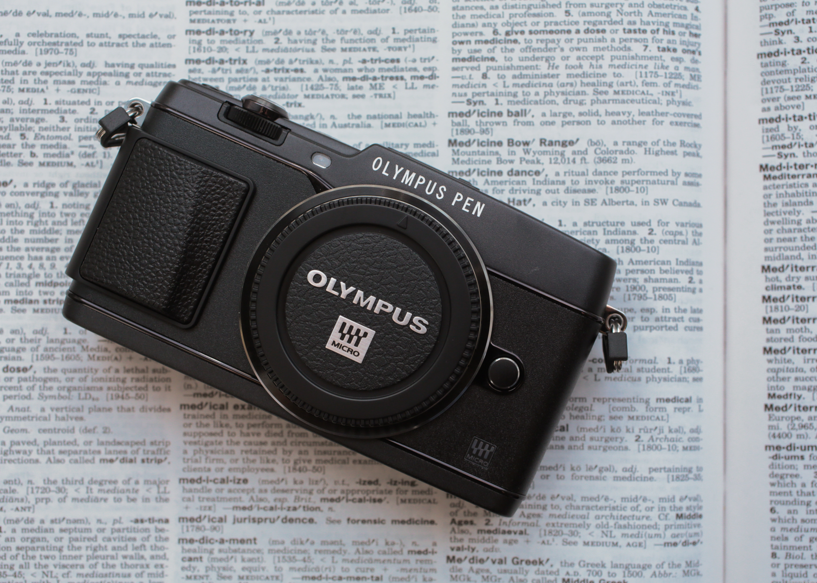 Olympus PEN E-P5 (Body Only, White)