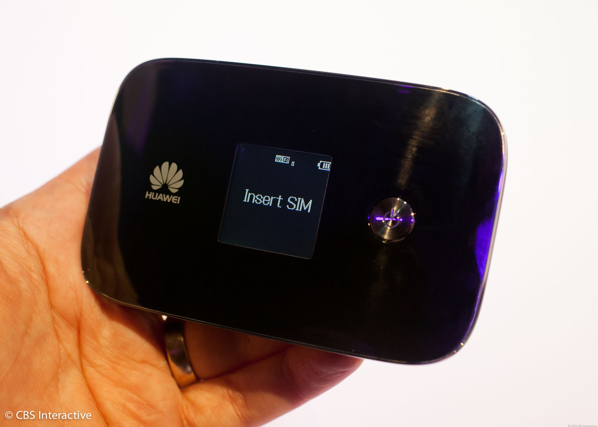 The Huawei E5786 is super compact considering what it has to offer.