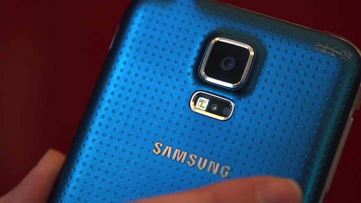 Video: Samsung takes on rivals with Galaxy S5, Gear 2