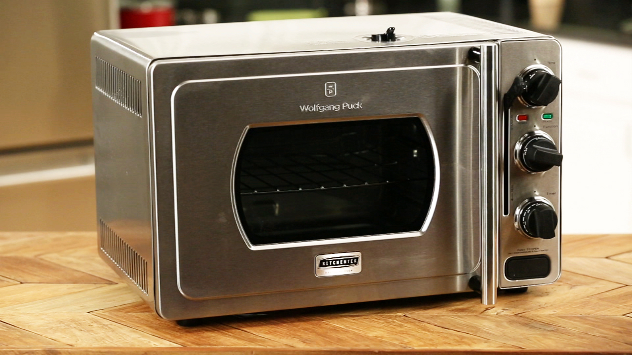 Video: Putting Wolfgang Puck's Pressure Oven to the test