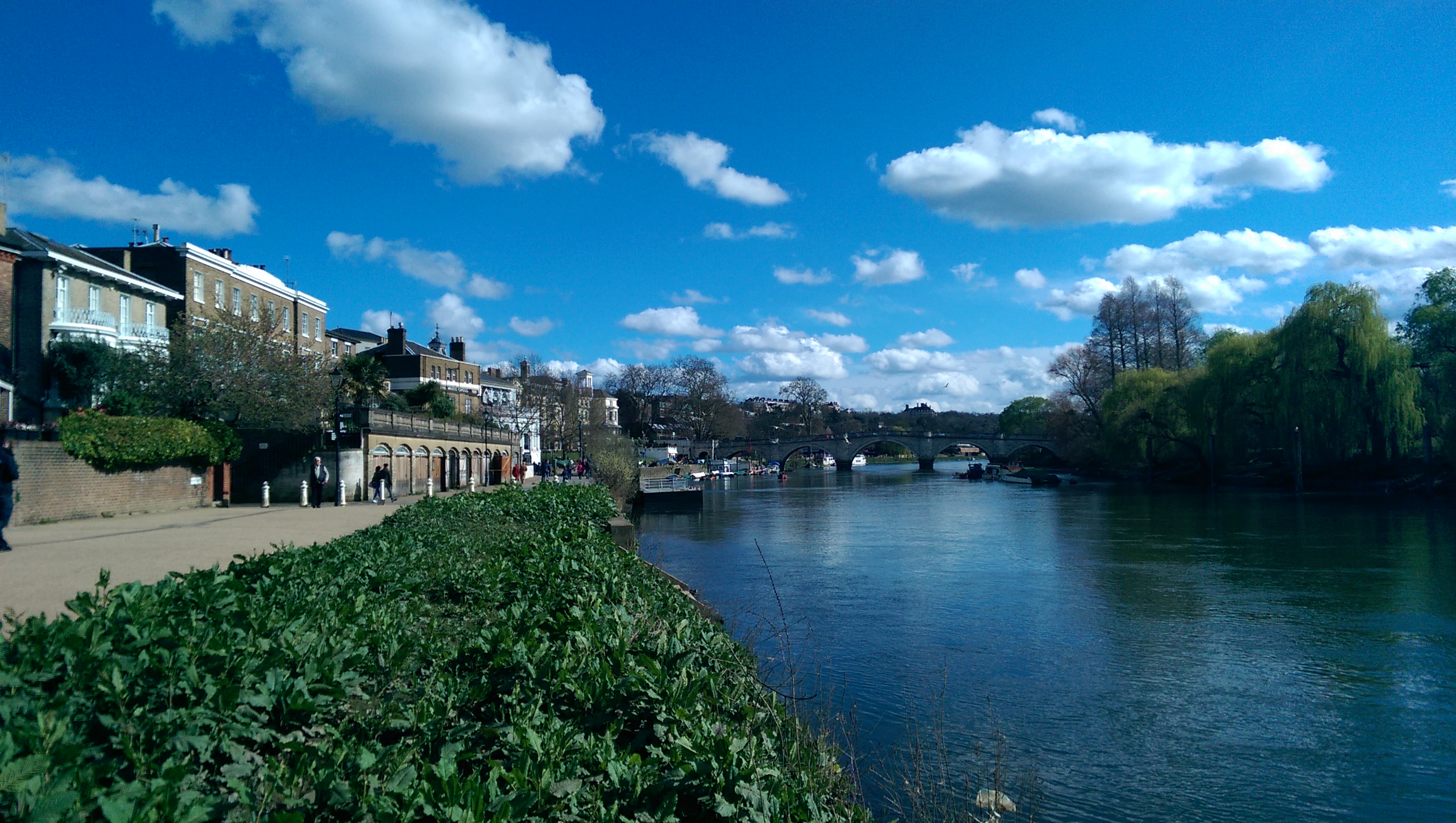 richmondbridge-normal-htc-one-m8.jpg