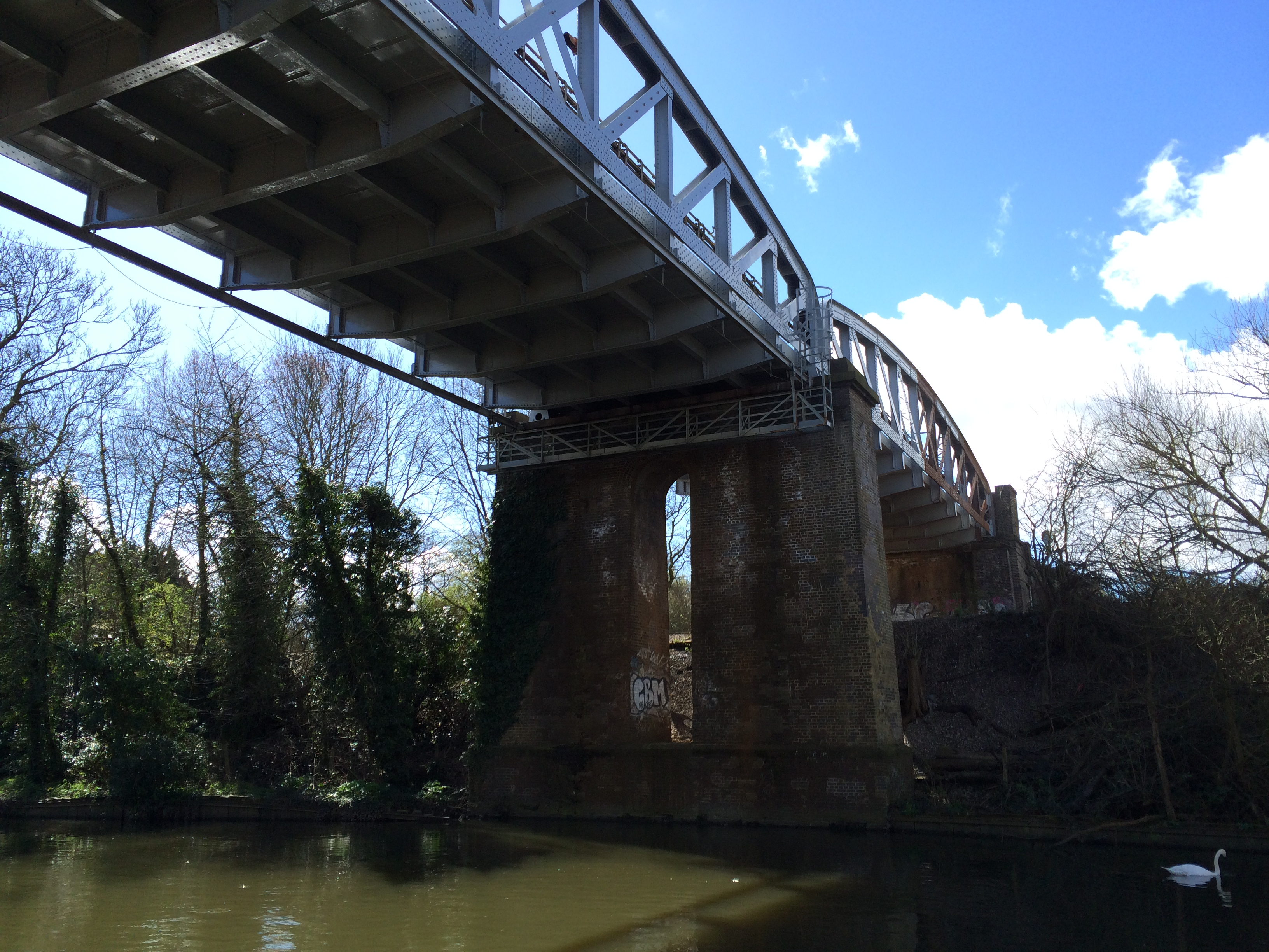 underbridge-normal-iphone-5s.jpg