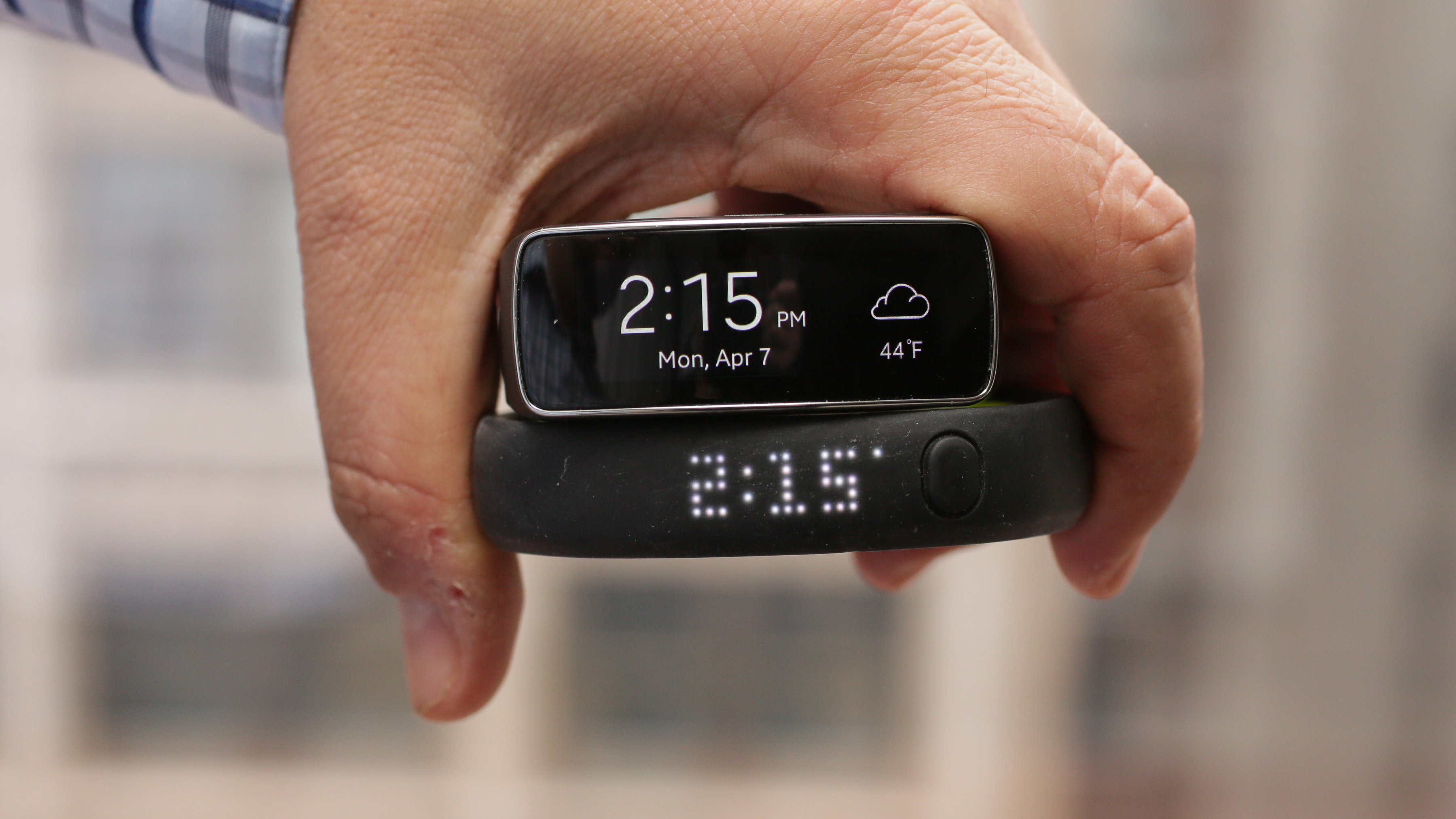 samsung-galaxy-gear-fit-product-photos-add02.jpg